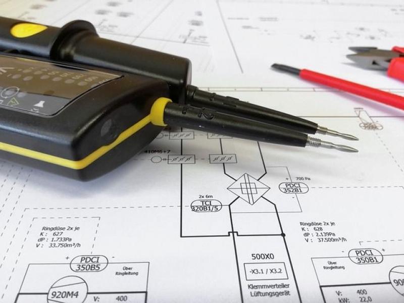 Электробезопасность на предприятиях — перечень должностей и профессий по группам